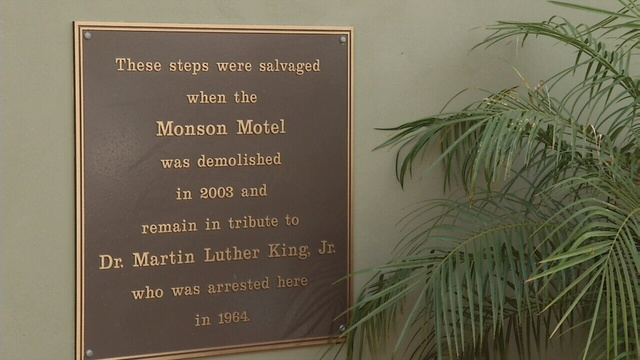 06-17-14-MONSON-MOTEL-PLAQUE-jpg.jpg_26525074