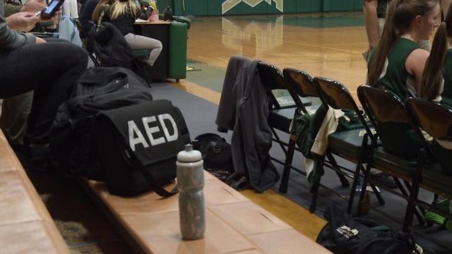 AED-ON-SIDELINE-jpg.jpg_24665976