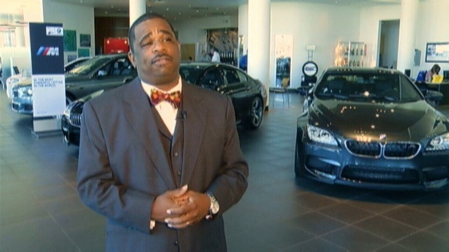 Dealership-manager.jpg_25619922