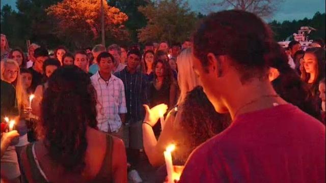 Vigil-for-13-year-old.jpg_27080312
