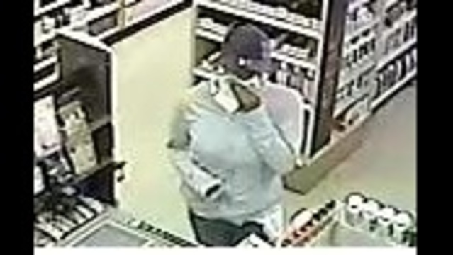 walgreens-armed-robbery-2.jpg_23579978