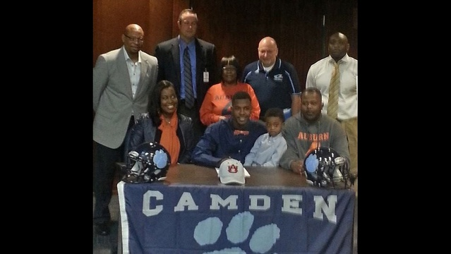 Camden-High-signing-day.jpg_24307300