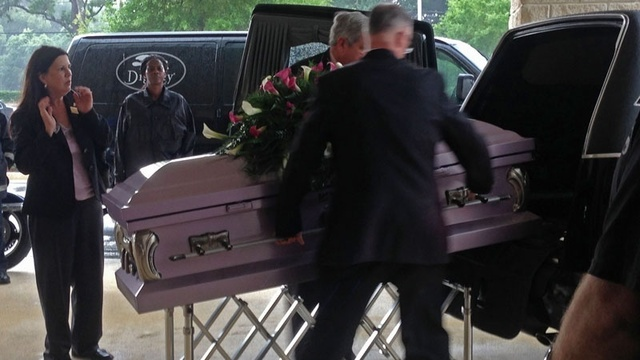 Cherish-casket-leaving-hear-jpg.jpg_20764530