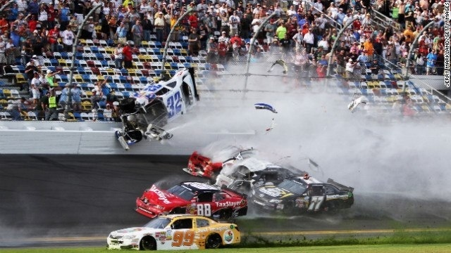 Daytona-Crash-jpg.jpg_19057730