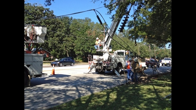 JEA crews fixing power lines after pole falls