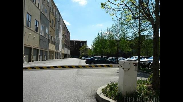 parkinginback-jpg.jpg_12622086