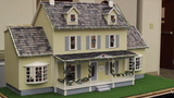 Man crafts dollhouses to be displayed at hospice, gifted to kids