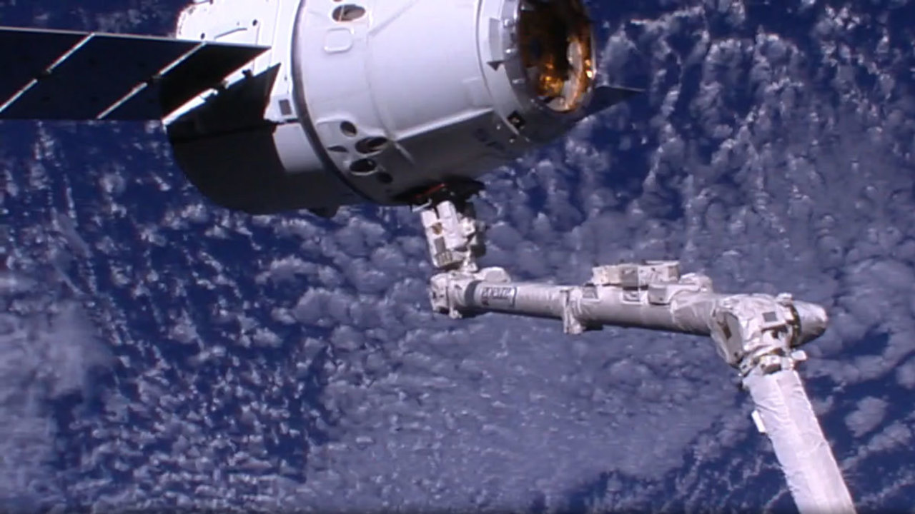 spacex dragon docking - photo #19