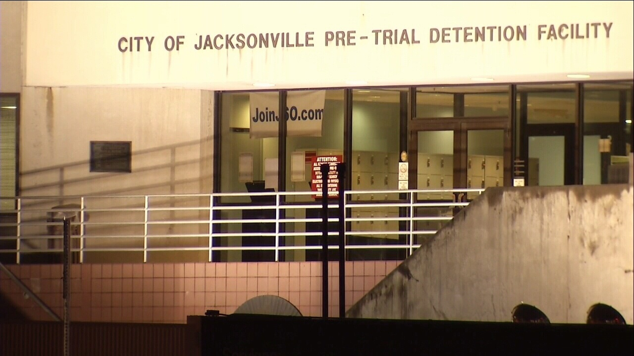Inmate, 29, dies at Duval County jail