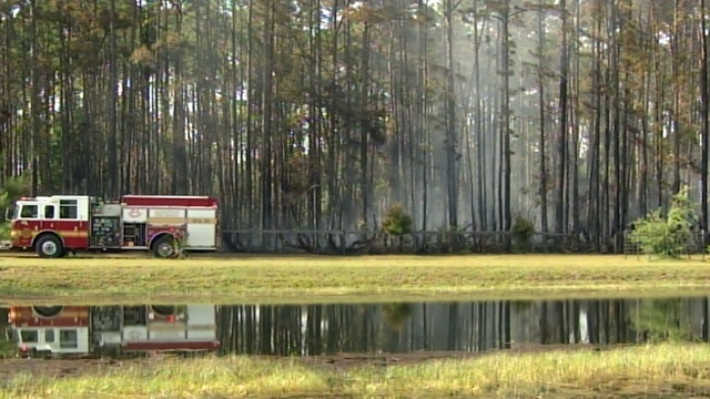 Brush fire_26145760