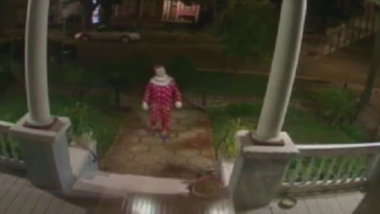 creepy clowns pop up in jacksonville