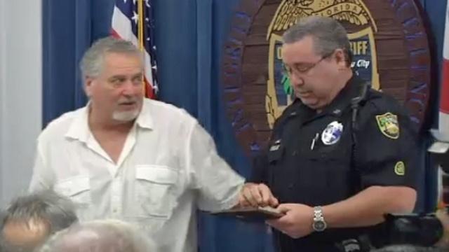 David Cutliff and Officer Thomas Edwards_24199948