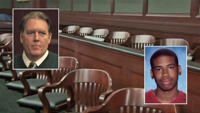 Michael Dunn, Jordan Davis inset in jury box pix_24488854