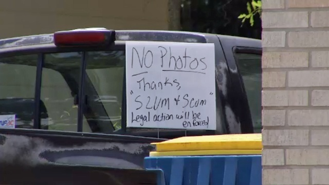 No photos sign in Arlington_26367844
