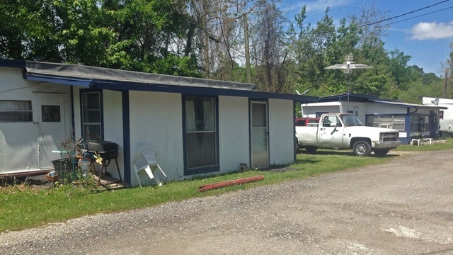 The Courts mobile home park_25329634