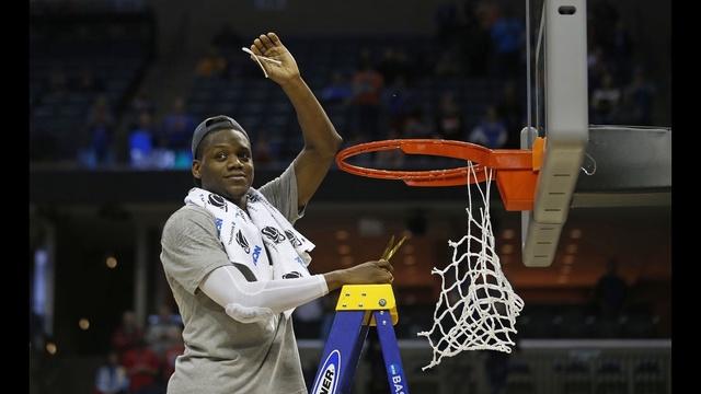 Florida wins Elite Eight game in Memphis_25232304
