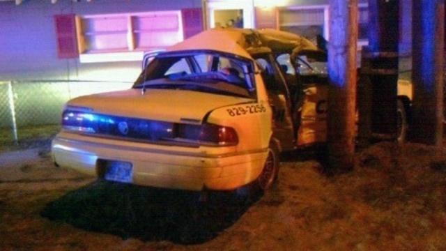 Cab crash_15411420