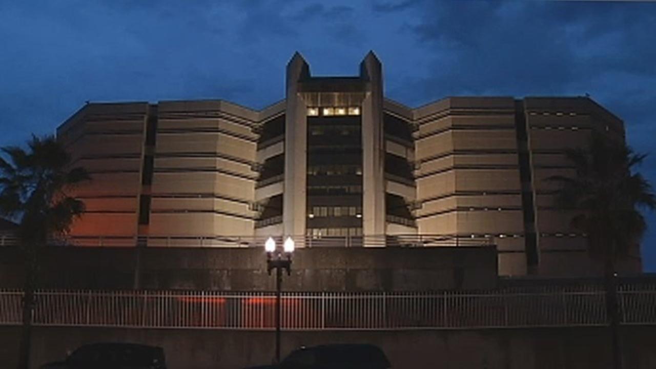 inmate dies in jacksonville police custody. Black Bedroom Furniture Sets. Home Design Ideas