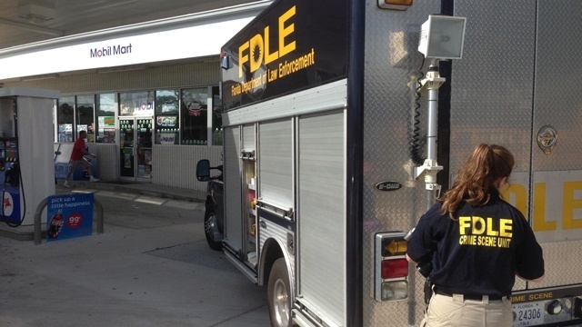FDLE van arrives at Palm Coast Mobil_19041506