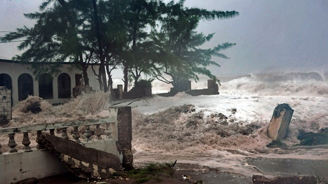 Hurricane Sandy hits Cuba