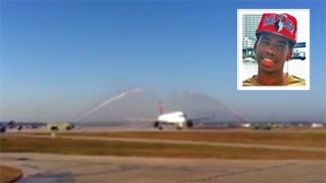 Jordan Davis honored with water salute_17595700