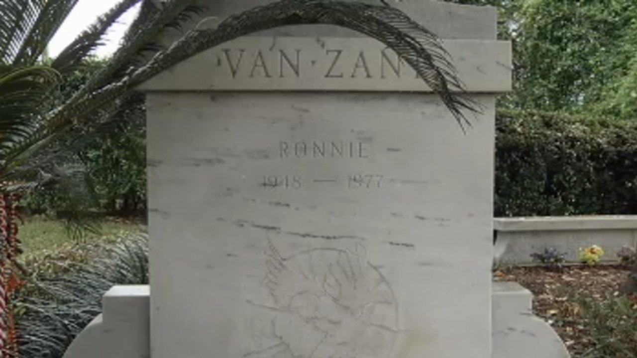 Craigslist posting reveals Ronnie Van Zant's burial site