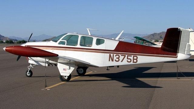 Beechcraft Bonanza_18022940