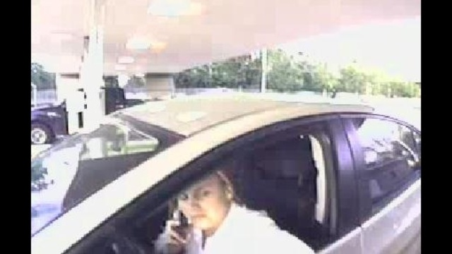 Suspect-blonde-on-phone-jpg.jpg_19073580