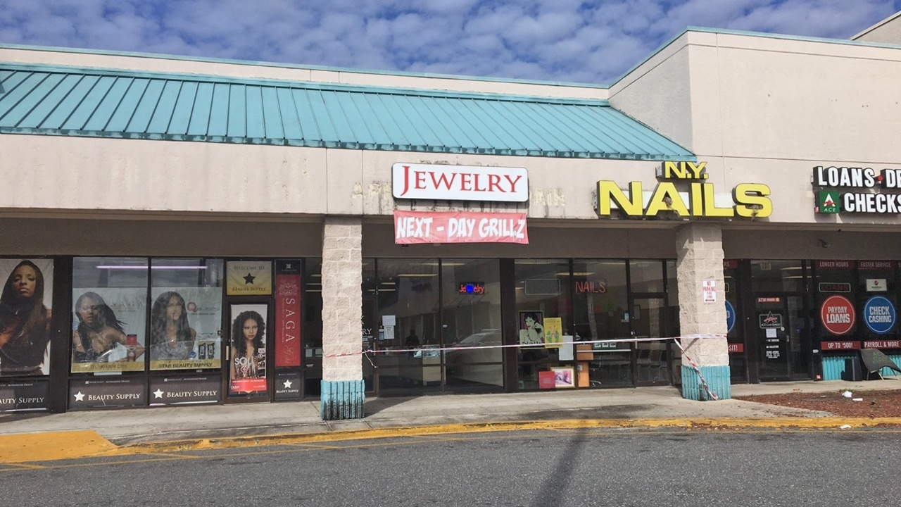 Northwest Credit Union >> JSO: Jewelry store owner shoots, kills robber