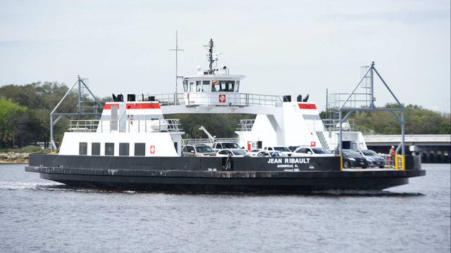 Rope damages St. Johns River Ferry propeller, puts it out of commission