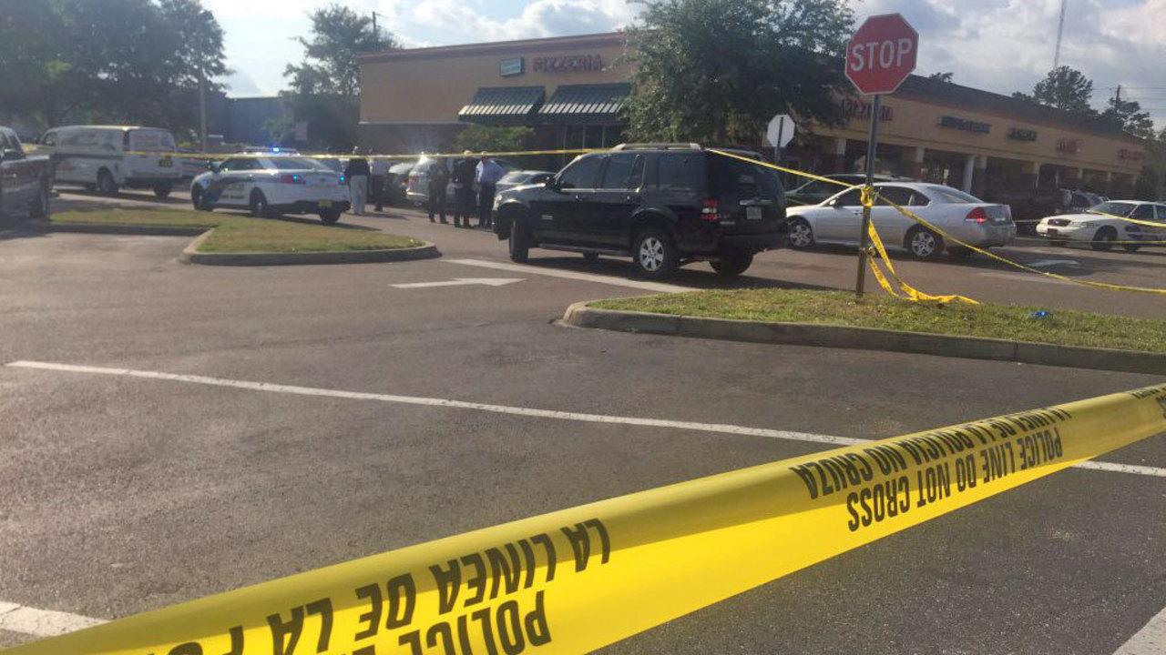 pizza delivery driver shot after striking officer with car