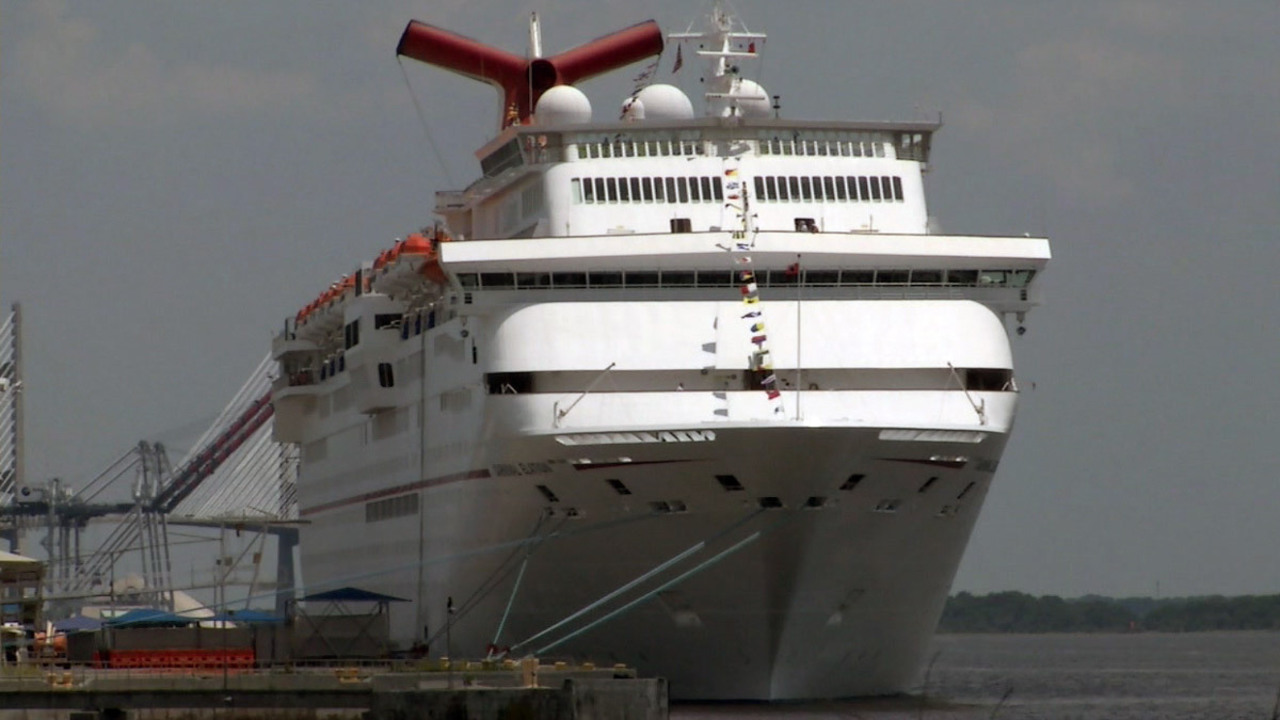 Woman Dead After Falling From Balcony Of Carnival Cruise Ship - Cruise ship drowning