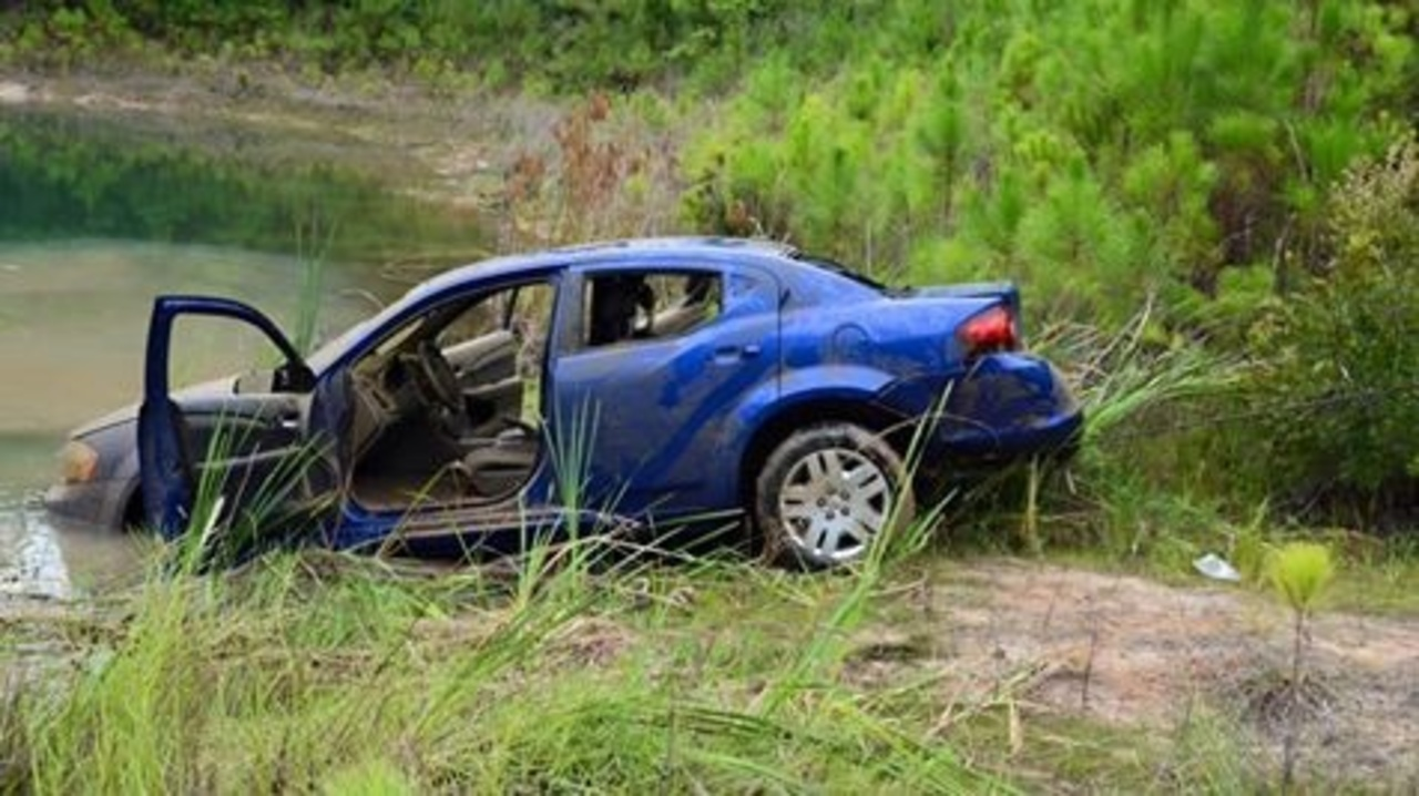 Car Pulled From Pond In Camden County