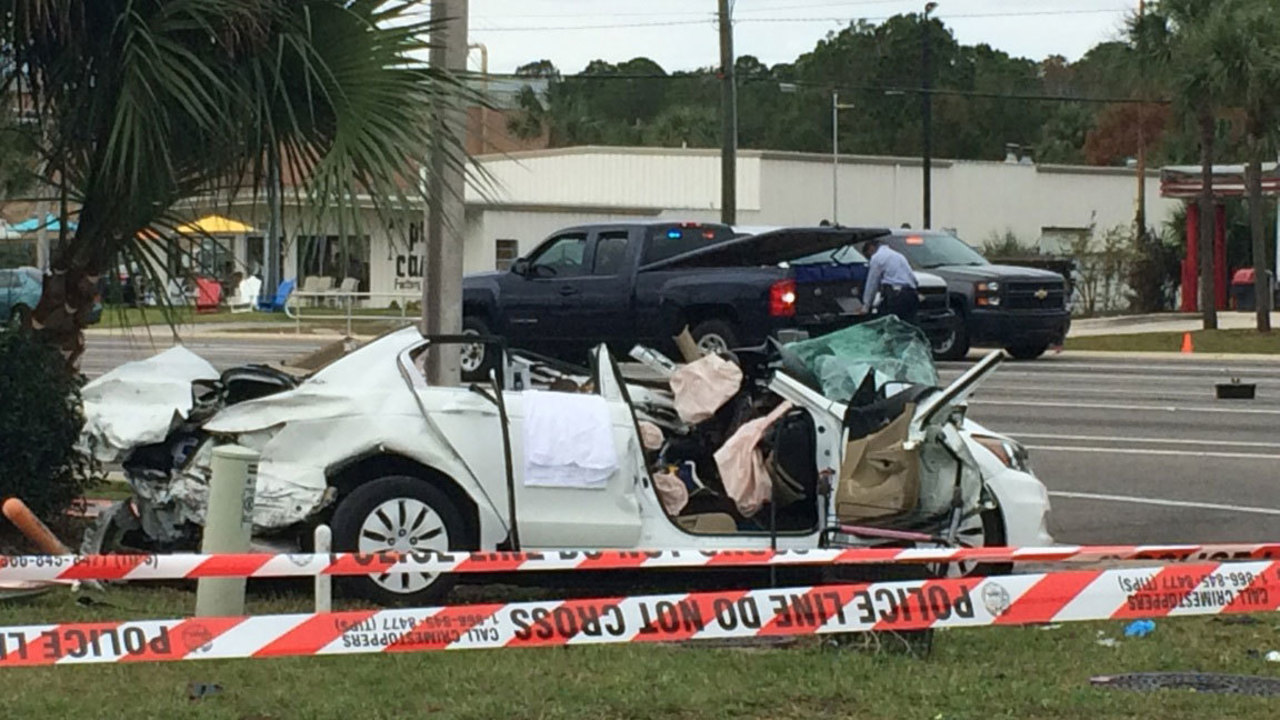 Teen Killed In Crash On Beach Boulevard At St Johns Bluff