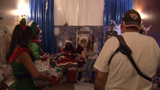 Jaguars Wide Receivers Give Gifts To Children At Christmas
