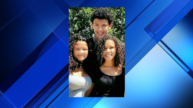 Family photo of Maurice Hobbs Jr. and his two sisters