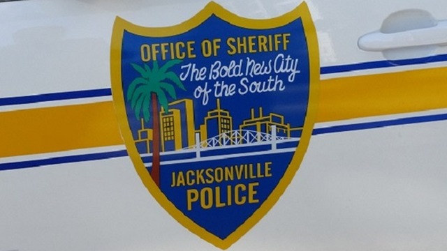 Jacksonville police officer skipped patrol to pursue women