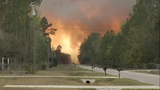 No timetable for evacuees forced out by 400-acre wildfire to return