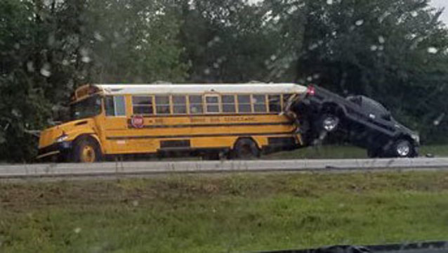 I-295 - Bus crash Facebook photo 2