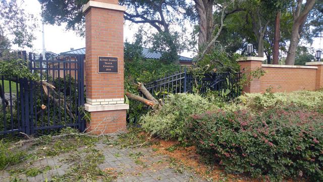 JU-Irma-damage_1505338520422.jpg