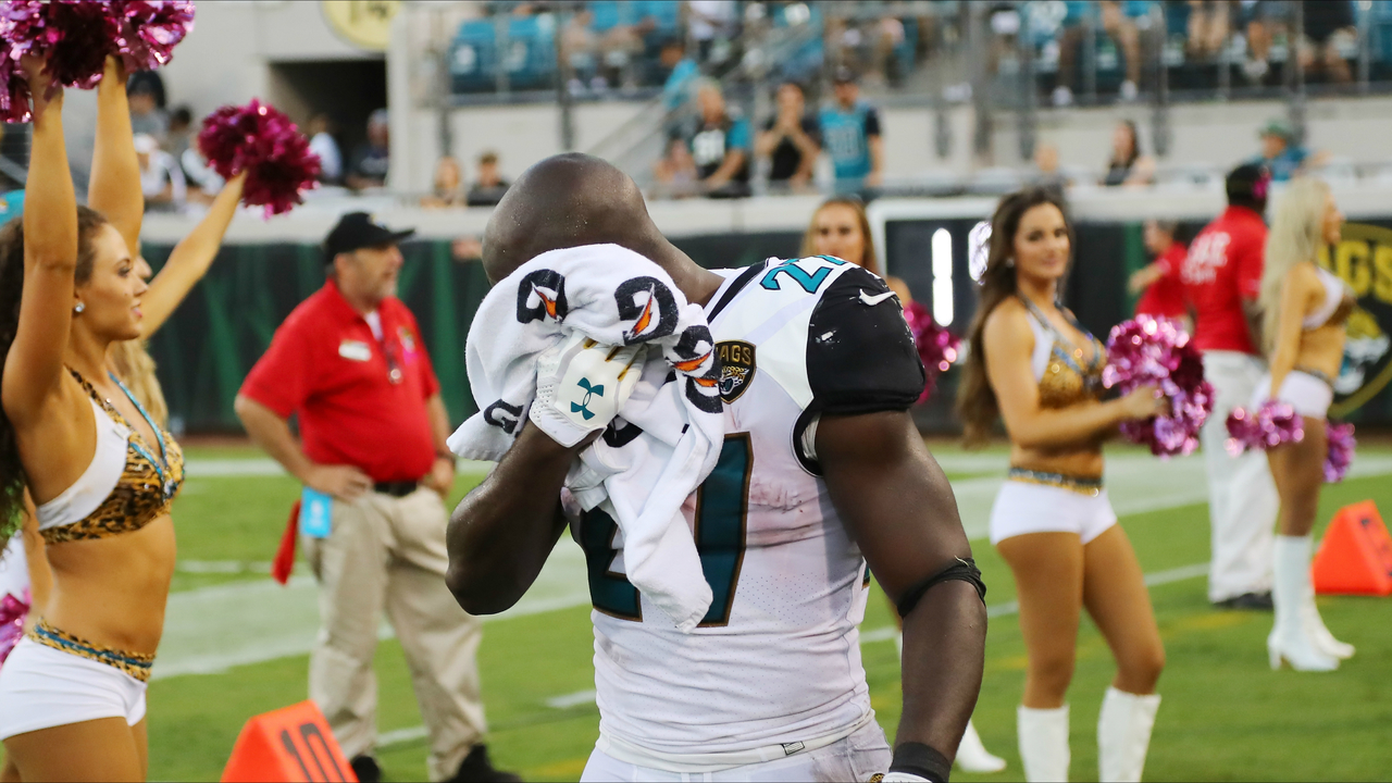 jaguars deactivate rb fournette for violating team rule