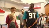 Jaguars' Malik Jackson helps sponsor reading challenge at Mayport Middle School