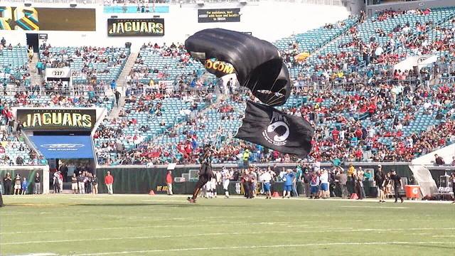 Landing in stadium_1512666973882.jpg