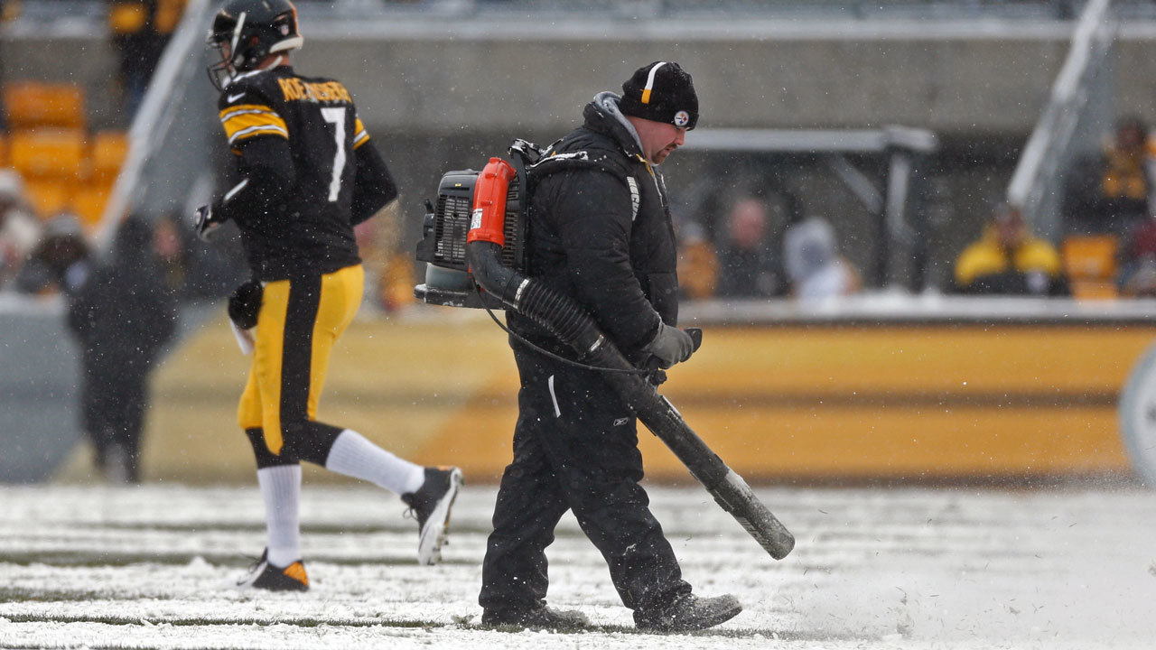 Heinz-Field-snow-file_1515798863578_11481719_ver1.0_1280_720 Jags fans struggle to get to Pittsburg, endure cold