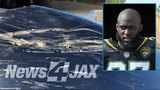 Jaguars RB Leonard Fournette signs damaged bumper after crash