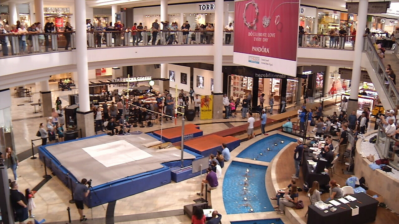 MALL%20VAULT_1518290216345.jpg_11639278_ver1.0_1280_720 Mall Vault is back at The Avenues this year