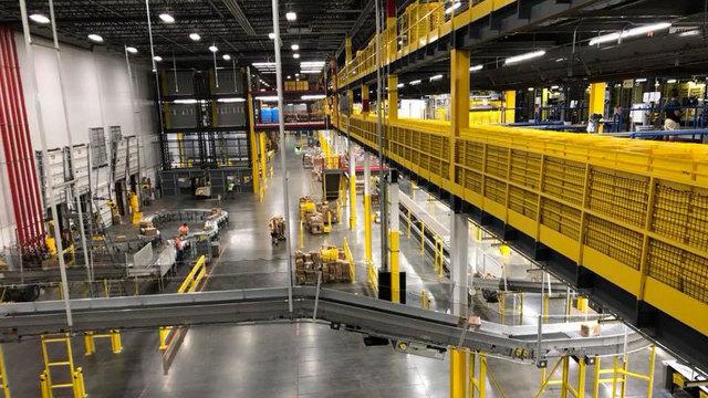 Amazon to open Jacksonville fulfillment center for public tours