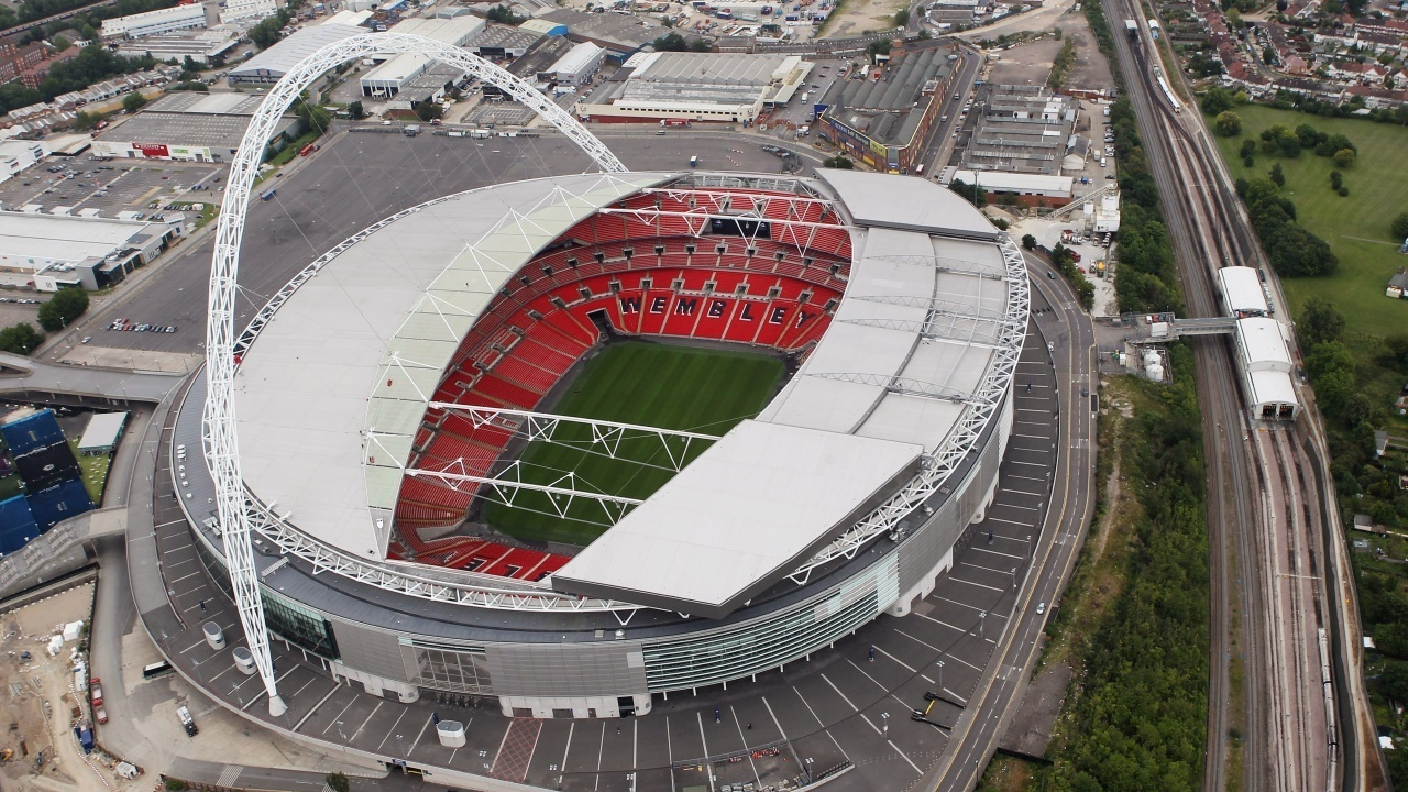 GettyImages-119872381%20Cropped_1524759945974.jpg_11992479_ver1.0_1280_720 Commentary: Khan's purchase of Wembley makes sense for him, Jaguars