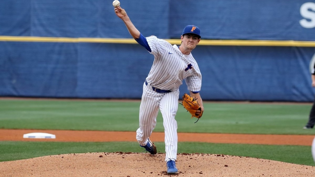 GATORS%20SEC%20TOURNAMENT%205-23%20Cropped_1527129937637.jpg_12114911_ver1.0_1280_720 Gators win SEC tournament opener vs LSU 4-3