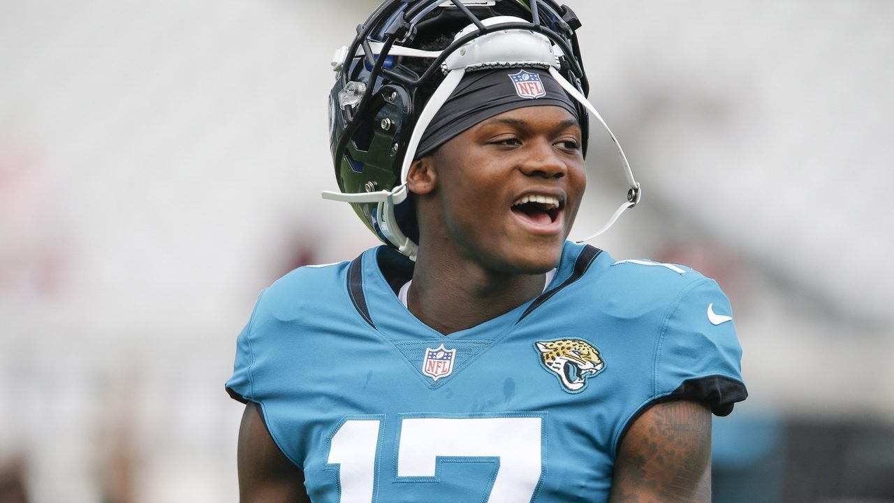 DJ%20Chark%20Teal%20Cropped_1535997761735.jpg_12595545_ver1.0_1280_720 Don't expect first game jitters for Jaguars' rookies